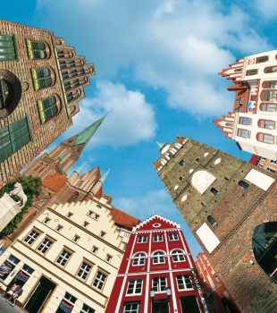 The famous brick architecture can be found in the Hanseatic towns of Rostock, Wismar and Greifswald as well as charming buildings in the state capital of Schwerin, © TMV/Werk3