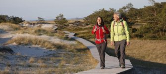 Rewarding wooden path: Many ways lead to the sea on the Darß, © TVFDZ/outdoor-visions.com