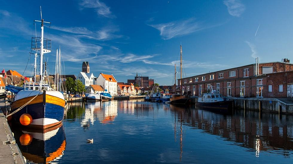 A sunny outlook from the harbour in the Hanseatic town of Wismar, © TZ Wismar/DOMUS images A. Rudolph