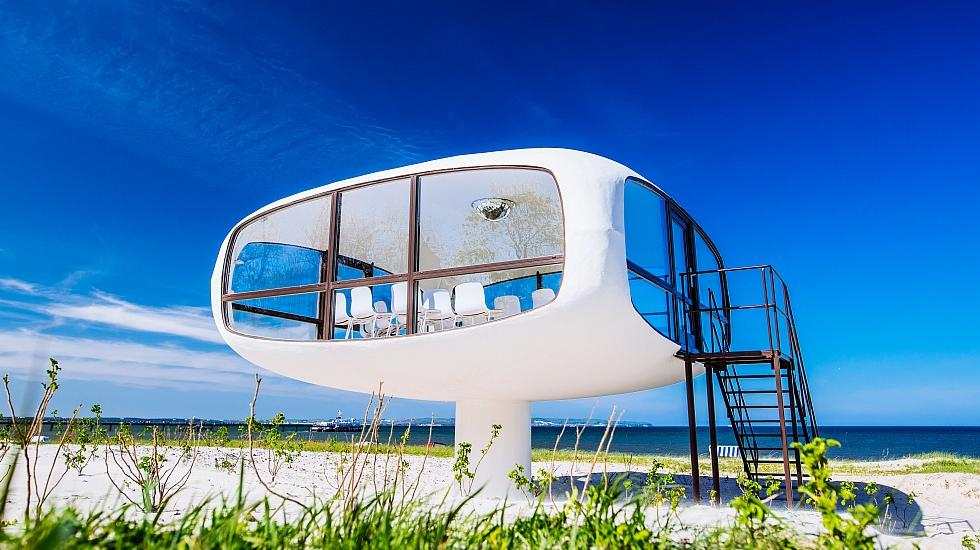 In the former Binzer rescue tower of Ulrich Müther you can get married today - directly at Binzer Strand., © TZR/Thiele