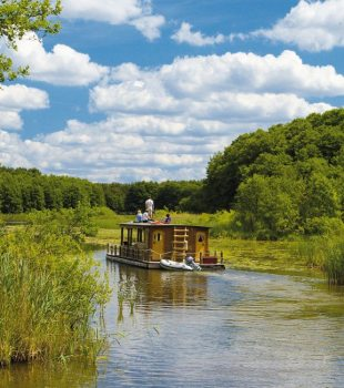 Discover untouched nature rafting in the Mecklenburg Lakes, © TMV/Pescht