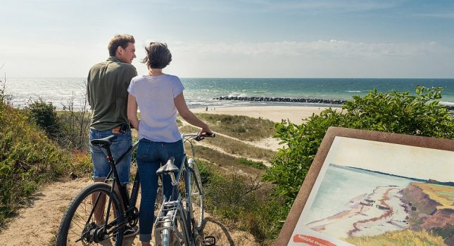 The art trail in Ahrenshoop shows places of inspiration from well-known artists and is ideal for a bicycle tour., © TMV/Süß